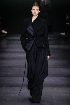 Ann Demeulemeester Fall 2014 Ready-to-Wear Collection Photos - Vogue