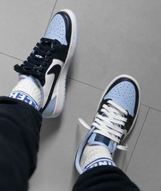 Find images and videos about blue, shoes and nike on We Heart It - the app to get lost in what you love. Jordan Shoes Girls, Girls Shoes, Sneakers Fashion, Fashion Shoes, Fashion Fashion, Runway Fashion, Fashion Ideas, Fashion Tips, Fashion Trends