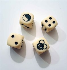 WoT Set of Four Dice - it's time to roll the dice :)