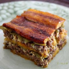 Pastelon: Puerto Rican Lasagna Super Good I really love it if you ever come to Puerto Rico you gotta try this!From my homeland. Comida Latina, Puerto Rican Lasagna, Pastelon Recipe, Ripe Plantain, Puerto Rican Cuisine, Puerto Rico Food, Pasteles Puerto Rico Recipe, Island Food, Gastronomia