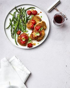 There are some recipes that qualify as a home run, and this pork milanese recipe is one of them thanks to smart strategy. This pork dinner Pork Milanese, Milanese Recipe, Gourmet Cooking, Cooking Recipes, Barbecue Pork Ribs, Pork Cutlets, Pork Chops, Green Bean Recipes, Pork Recipes