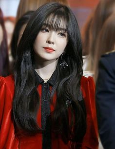 Red Velvet Irene is one of K-Pop's top visuals and she constantly proves this with stunning pictures. These pictures are irrefutable proof of Irene's beauty. Red Velvet アイリーン, Irene Red Velvet, Seulgi, Cara Delevingne, Kpop Girl Groups, Kpop Girls, Korean Girl, Asian Girl, Red Valvet