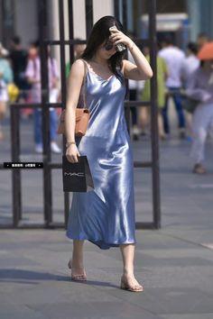 Silk Satin Dress, Silk Midi Dress, Satin Skirt, Satin Dresses, Asian Fashion, Fashion Outfits, Sexy, Green Satin, Cheongsam