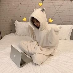 Cute plush Two-piece - unzzy - Pamukkopek Ulzzang Korean Girl, Cute Korean Girl, Satin Pyjama Set, Pajama Set, Womens Fashion Online, Latest Fashion For Women, Cute Pajamas, Comfy Pajamas, Bear Ears