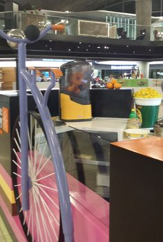 Are you in Amman Airport and want something really refreshing? Then #FreezeCreamery is the place! Try delicious flavours and freshly squeezed orange juice courtesy of our #Minex :)
