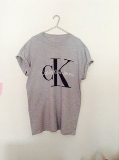 03115acc72f53 Classic old skool calvin klein jeans tshirt 90 s urban swag luxe style