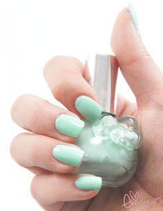 mint nails...love the spring fresh color of mint green. Doing my nails this color