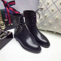 2016 Chic Women Famous Ankle Black Flat Square Heel Soft Boots Lady Genuine Leather High end Brand Fashion Shoes Botas Femininas