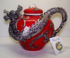 Tamborine Mountain Teapots. Chinese Dragon Teapot