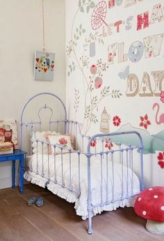 Vintage eclectic room. Floral whimsical wallpaper