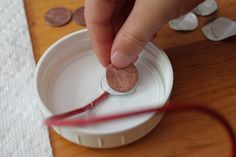 Science Experiment: Making electricity with copper, aluminum & salt