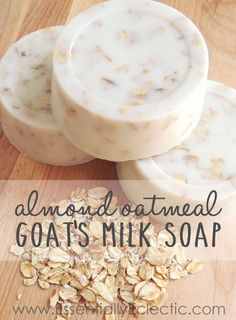 Sweet almond honey oatmeal goat's milk soap recipe made with melt-and-pour goat's milk soap base, vitamin E, oats, honey, and sweet almond fragrance oil. soap goat milk Almond Oatmeal Goat's Milk Soap - Mom Makes Joy Diy Savon, Oatmeal Soap, Homemade Soap Recipes, Goat Milk Soap, Handmade Soaps, Diy Soaps, Diy Soap No Lye, Home Made Soap, Soap Base