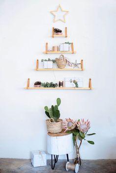 DIY Shelf Christmas Tree