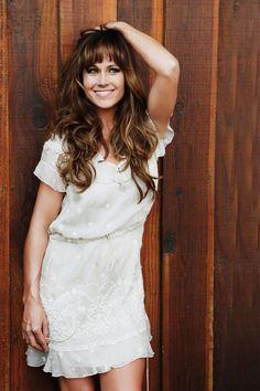 Nikki Deloach - blunt but versatile bangs