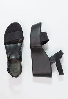 REMI PLATEAU - Sandały na obcasie - black