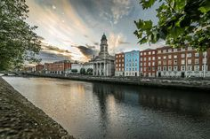 Dublin has a thriving restaurant scene that includes gastropubs, burger joints, fine dining and more. Discover Dublin's best dining options in Culture Trip's guide. Cruise Vacation, Vacation Trips, Dream Vacations, Vacation Ideas, Cruise Travel, Places To Travel, Places To See, Travel Destinations, Restaurants In Dublin