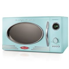 The retro-styled Nostalgia Electrics Micro waver Oven will stand out in any kitchen. This attractive appliance features 12 pre-programmed cooking settings, 5 power levels, a rotating glass carousel and an easy-to-read LED digital display. Plywood Furniture, Paint Furniture, Kitchen Furniture, Led Display Lighting, Countertop Microwave Oven, Countertop Microwaves, Aqua Bedding, Bedding Sets, Nostalgia