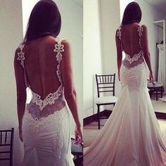 Wow!!! Stunning wedding dress