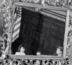 america-runs-on-kennedy:The reflection of Jack and Jackie in a mirror. I must say, I really love this picture.