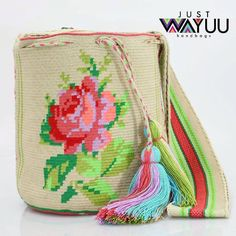 Large single thread Flower bag, made in acrilyc thread. Handcrafted handbags made by indigenous wayuu in the north of Colombia. Worldwide shipping. PayPal WA +57 3188430452 #seoul #ootd #mochilas #wayuu #handmade #boho #hippie #bohemian #trendy #knitting #australia #กระเป๋าถือ #Handgjord #Handgemacht #Handgemaakt #faitmain #london #australia #wayuubags #spring #Netherlands #handcrafted #fashion #กระเป๋า #france #newyotk #日本 #california #miami #Hæklet #newyork