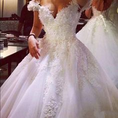 Chinese Wedding Dresses Vintage A Line Lace Wedding Dresses 2016 Vestidos De Noiva Sexy Off The Shoulder 3d Floral Appliques Princess Ball Gown Discount Wedding Dress From Babyonline, $220.95| Dhgate.Com