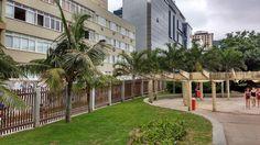 Se essa rua fosse minha… Textoe foto de Valéria del Cueto Meus caminhos levam às praias. Incluindo a rota pelo Parque Garota de Ipanema, no Arpoador. Desde que mudei para o Posto 6 acompanho…