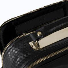 Imagen 3 de VANITY CASE CREMALLERAS de Zara Zara Bags, Zip Around Wallet, Fashion, Zippers, Totes, Women, Bag, Moda, Fashion Styles