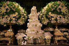 mesa-de-doces-casamento-bolo-decoracao-branco-e-verde-casamento-classico