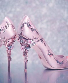 para tu portada - Imágenes para tu portada -Imágenes para tu portada - Imágenes para tu portada - Decade High Heel Ivory Wedding Shoes - High Ivory Bridal Shoes I believe that any issue can be solved by co. Fancy Shoes, Pretty Shoes, Beautiful Shoes, Cute Shoes, Me Too Shoes, Wedding Shoes Heels, Prom Shoes, Dress Shoes, Bridal Shoes Wedges