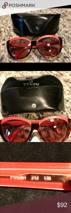 Fendi sunglasses Excellent used condition. No scratches on lens worn only a few times. 😎😎😎 Fendi Accessories Sunglasses