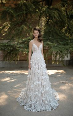 Berta bridal spring / summer 2016 - Love4Wed Full cloche skirt, all 3D flowers embroidered lace wedding dress.