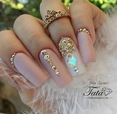 Quer ter unhas grandes e fortes como esta? acesse o blog e aprenda dicas, truques e receitas caseiras!  #unhas #nails #esmalte #pedraria #unhasfortes #unhasgrandes #unhasdecoradas #beleza #moda #croche #diy