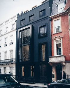 Park Place Residence is designed by SHH Architects and is located in #London #England // Photo by SHH Architects