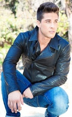 """leatheraddict: """"Leatherboy du jour/of the day : Dean Geyer (comédien/actor) (USA) - """" Dean Geyer, Leather Fashion, Leather Men, Mens Fashion, Leather Jacket Outfits, Leather Jackets, Hommes Sexy, Raining Men, Good Looking Men"""