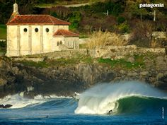 Mundaka shot by Jeff Flindt