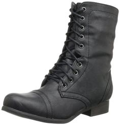 lace-up boots...oooh my manly man of a man would look soo good in these