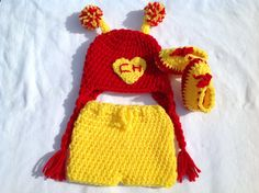 Baby Super Hero Crochet Hat, Diaper Cover, and Boots: Chapulin Colorado Crochet Baby Costumes, Crochet Baby Clothes, Cute Crochet, Crochet For Kids, Crochet Stocking, Knitted Hats, Crochet Hats, Crochet Photo Props, Baby Boy Knitting