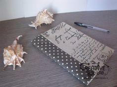 Tutorial: come realizzare una copertina di stoffa fai da te e rivestire un quaderno o un'agenda. cucito creativo diy