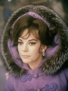 Natalie Wood in The Great Race / Blake Edwards director, 1965 Natalie Wood, Vintage Hollywood, Hollywood Glamour, Classic Hollywood, Vintage Vogue, Vintage Fashion, Blake Edwards, Divas, The Great Race