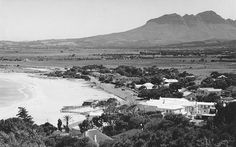 Gordonsbaai in vorige eeu. Foto deur In die Oudae op FB Most Beautiful Cities, Amazing Places, Cape Town South Africa, Historical Pictures, Africa Travel, Afrikaans, Old Photos, Places To Travel, Landscape Photography