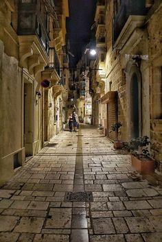 Evening stroll in Birgu, Malta Photo credit Sandra Sammut Alessi