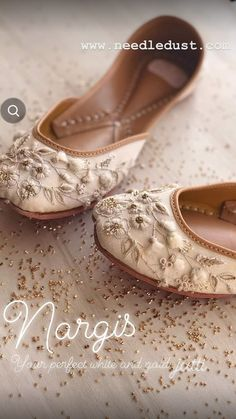 Pump Shoes, Shoes Heels, Flats, Pretty Shoes, Beautiful Shoes, Society Quotes, Dress Up Shoes, Indian Shoes, Ankle Jewelry