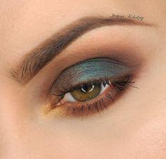 Makeup Geek Eyeshadows in Americano, Bedrock, Petal Pusher, and Time Travel + Makeup Geek Duochrome Eyeshadows in Secret Garden and Voltage. Look by: Justyna Kolodziej