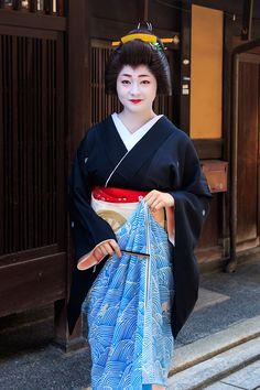 Geiko Satsuki, August 2015. 八朔の朝(祇園甲部・紗月さん、茉利佳さん) : 花景色-K.W.C. PhotoBlog