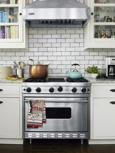 Subway tile backsplash in Genevieve Gorder's #NYC home #hgtvmagazine http://www.hgtv.com/decorating-basics/genevieve-gorder-at-home/pictures/page-8.html?soc=pinterest