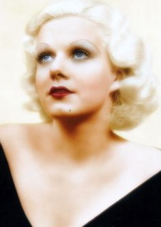This photo of Jean Harlow is breathtaking!