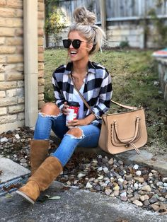 25 casual winter outfits you'll love page 37 Casual Winter Outfits, Casual Fall Outfits, Cute Flannel Outfits, Plaid Shirt Outfits, Work Outfits, Chic Outfits, Holiday Outfits, Women Fall Outfits, Christmas Outfits For Women