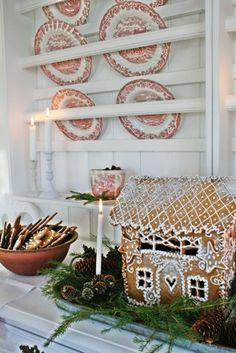 Oh to be able to do gingerbread houses like this!!