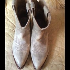Frye boots 1 hr sale Excellent condition antique billy short frye boots Frye Shoes Combat & Moto Boots