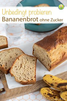 Recipe for a simple and quick banana bread that does not require any additional sugar. The bread is healthy and also perfect for children. For breakfast, as a snack or for in between. Banana Bread Without Sugar, Quick Banana Bread, Banana Bread Recipes, Sweet Recipes, Whole Food Recipes, Healthy Recipes, Vegan Protein Bars, Different Recipes, Clean Eating Snacks